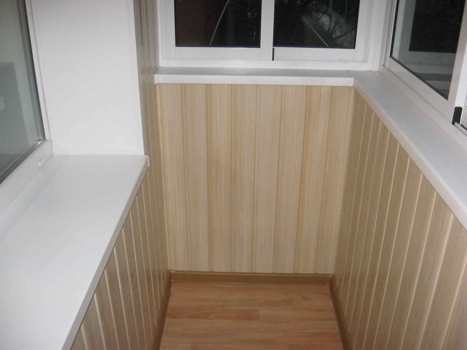 Выбор пластиковые панели для отделки балкона.